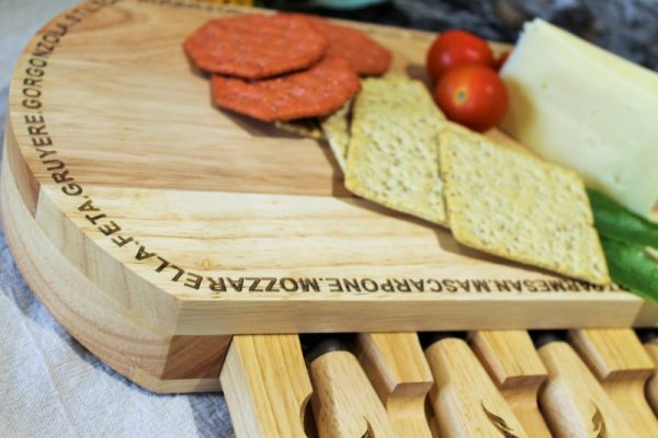 WOODEN CHEESE BOARD & TOOLS