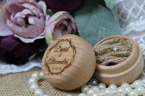BRIDE & GROOM MARRY ME RING BOX