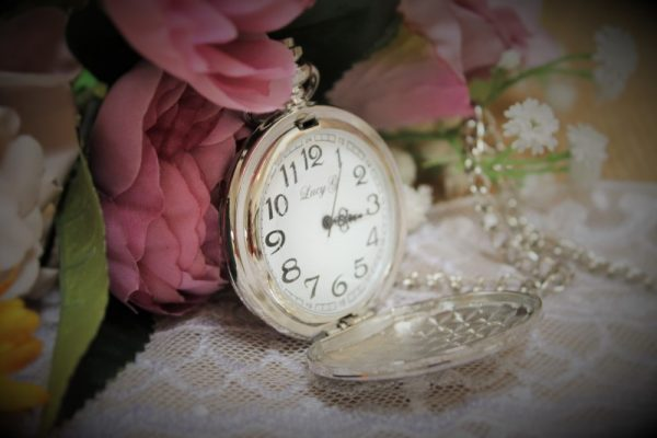 POCKET WATCH WITH GIFT TIN